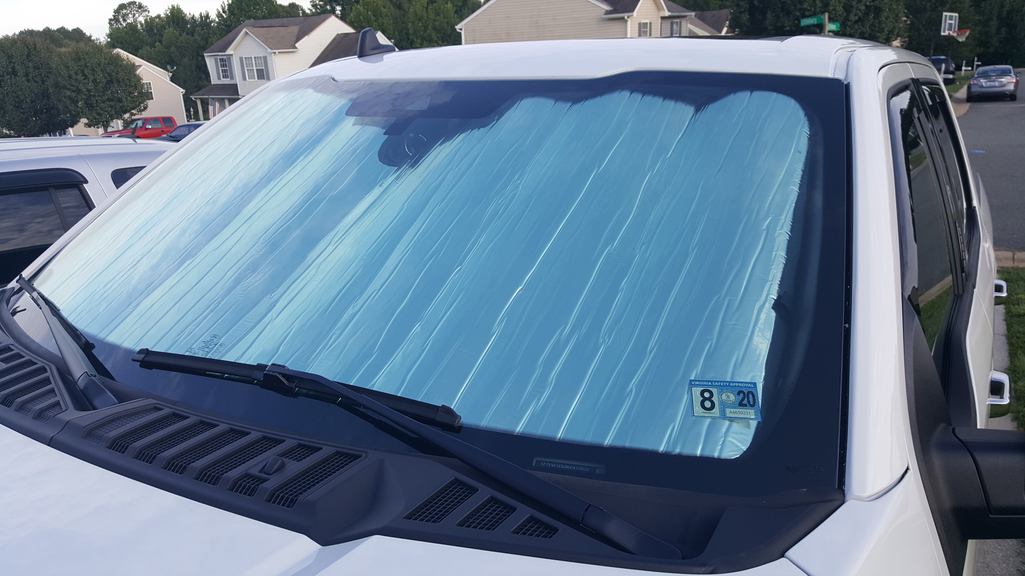 100/% New Awesome Black Windshield Visor To Keep Your Car Cooler In Warm Weather